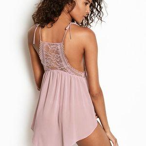 44d11f04da0 Victoria s Secret Intimates   Sleepwear - VERY SEXY Lace High-neck Babydoll  SZ M Light